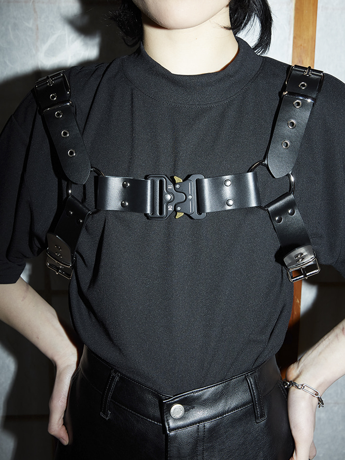 leather eyelet harness belt