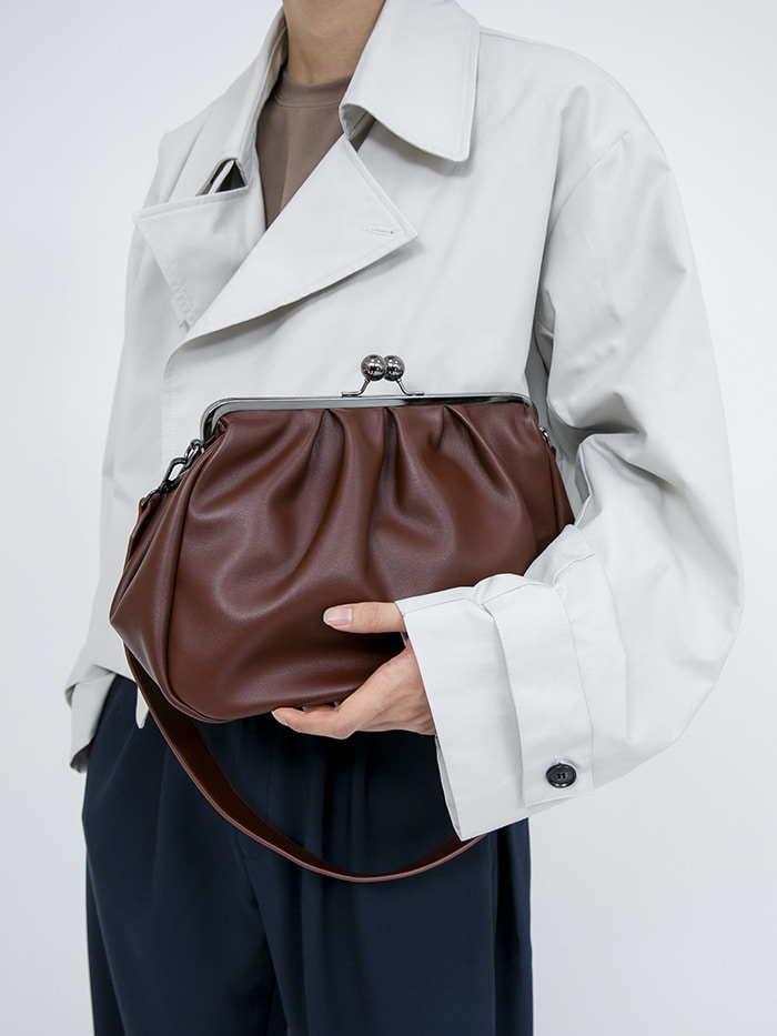 wide shirring leather clutch bag (2 color)